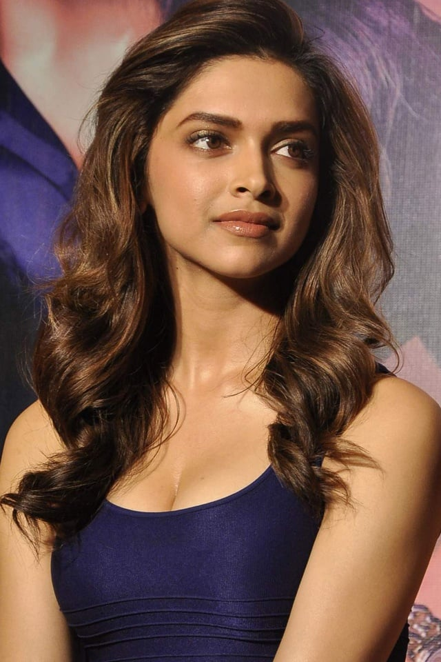 I want to work with Salman. I am really looking forward to work with him, says Deepika Padukone