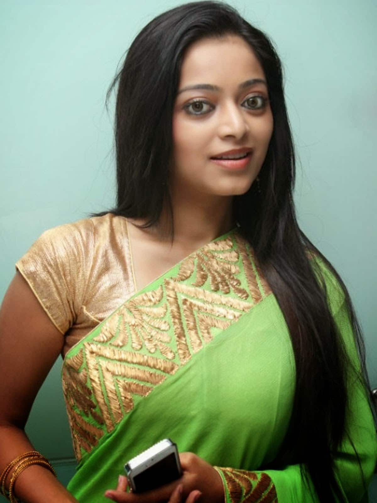 Janani Iyer Prefers To Be Known By Her First Name Only Desimartini