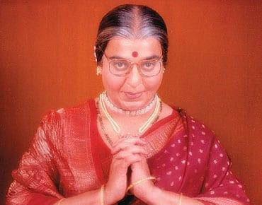 Cross-Dressed Bollywood