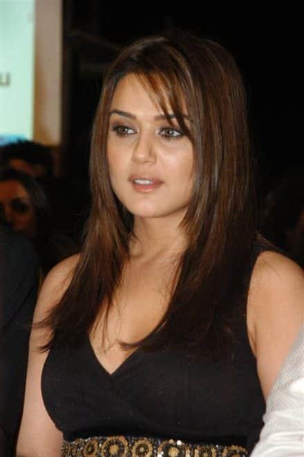 Preity Zinta joins politics, to stand against Priya Dutt in Lok Sabha polls?