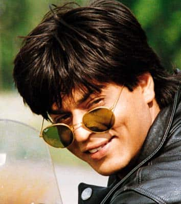 srk hair style shah rukh khan s hairstyles through the years desimartini 8935