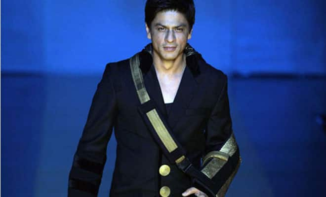 Shah Rukh Khan suffers from fracture in shoulder, knee-injury