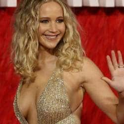 Jennifer Lawrence Blasts Tabloids Calling Her Anti-Feminist For Wearing A Revealing Dress On A Cold London Day!