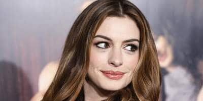 Twitter Erupts In A Show Of Support For Anne Hathaway After Her Nude Images Leak Online!