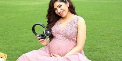 In Pictures: Singer Tulsi Kumar's Adorable Maternity Shoot With Her Husband!
