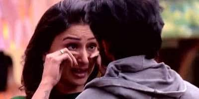 Bigg Boss 11: Hiten Tejwani's Wife Gauri Pradhan Scolds Hina Khan; Has No Problem With Arshi Khan!