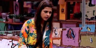 """Bigg Boss 13: Dalljiet Kaur Gets Eliminated Says, """"May Be I Didn't Fit In That 'Fake Love And Friendship' Thing"""""""