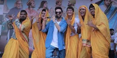 Ayushmann Khurrana Celebrates Janmastami In Baroda! See These Videos...