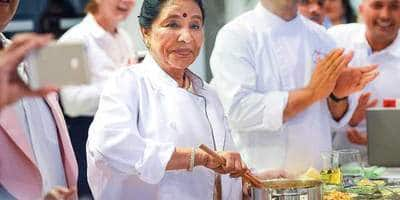 Trivia Of The Day: Did You Know Asha Bhonsle's Colleagues Swear By These Dishes Made By Her