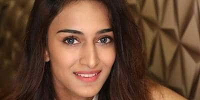 Kasautii's Prerna Aka Erica Fernandes Has Been In A Relationship For Three Years And It's Neither Shaheer Sheikh Nor Parth Samthaan