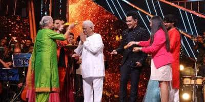 Indian Idol 12: Pyarelal Of Music Composer Duo Laxmikant-Pyarelal Graces The Stage With His Wife