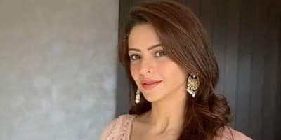 """Aamna Sharif On Her OTT Debut 'Damaged 3': """"I Was Hooked To The Enigmatic Persona Of My Character"""""""