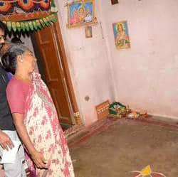 Vijay Visits The Families Of His Deceased Fans