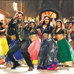 Madhuri Dixit to showcase her dancing calibre in Ram Leela this time?