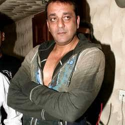 Sanjay Dutt offers Dharam Oberois role to Salman Khan's manager?